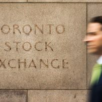 Canadian Stocks Plunge to 2013 Levels as Rout in Crude Deepens
