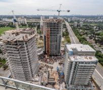 Toronto housing chill may soon extend to high-flying condo market
