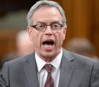 Why Finance Minister Joe Oliver isn't intervening in Canada's housing market
