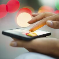 5 Ways to Enhance Your Presence on Mobile