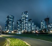 """Canadian housing market faces """"modest"""" risk of correction, in Toronto risk is high, says CMHC"""
