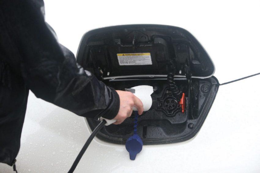 electric-car-charge.jpg.size.custom.crop.850x567