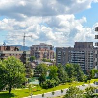 Montreal prices accelerate as sales reach new record