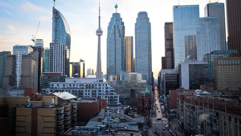TORONTO RESIDENTIAL RENTS DROPPING BECAUSE OF COVID-19, FIGURES SUGGEST